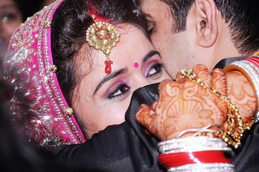 Candid-Wedding-Photography-India-900-x-598