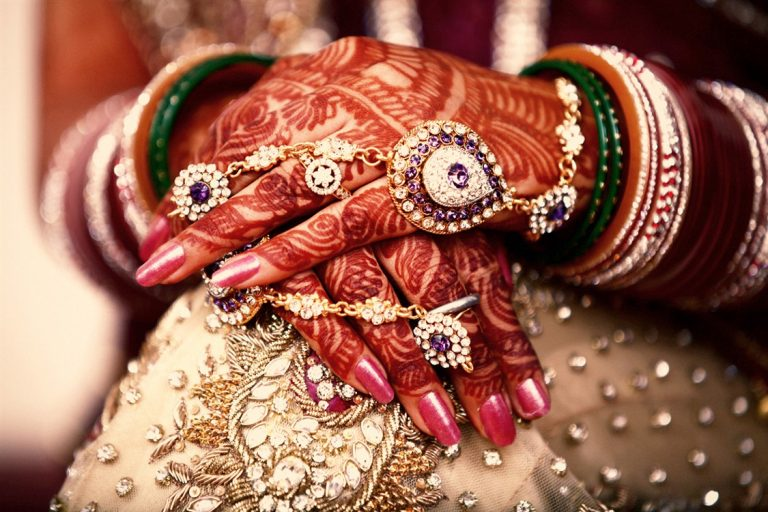 List of The 7 Best Bridal Mehndi Artists In India